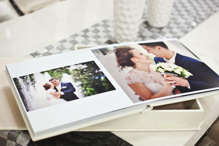 結婚式のアルバムの画像
