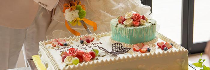 ケーキ入刀の画像