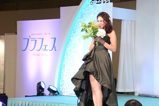 ハナユメブライダルフェスタのドレスショー